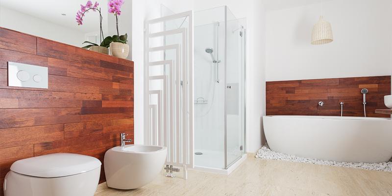 האם מקלחונים מזכוכית הם מספיק בטוחים?