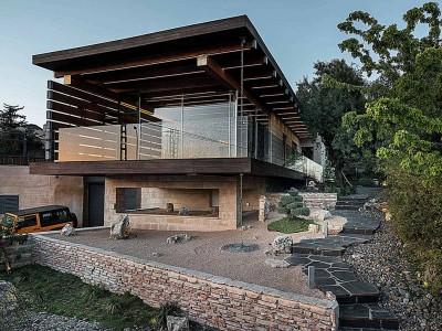 עץ זכוכית בטון ואבן – במבשרת