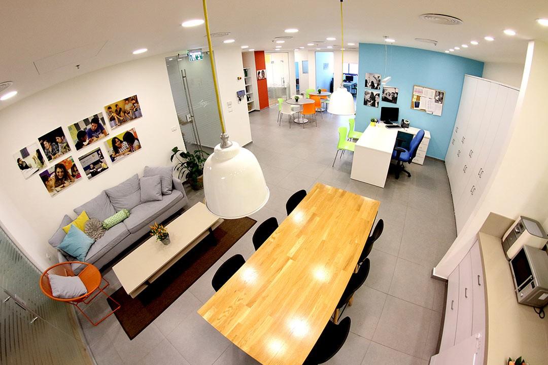 """תכנון ועיצוב משרדי """"חותם"""""""