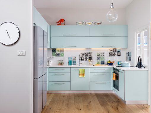 דירה צבעונית בכרמל