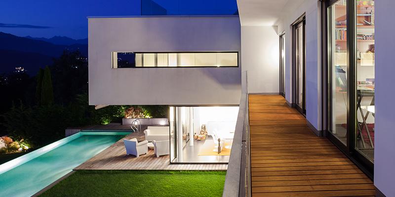 כיצד יש לתכנן תאורת חוץ לגינה?